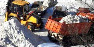 Фото процесса вывоза снега