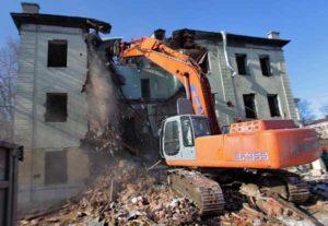 Фото демонтажа жилого дома