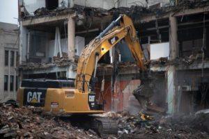 Фото демонтажа здания